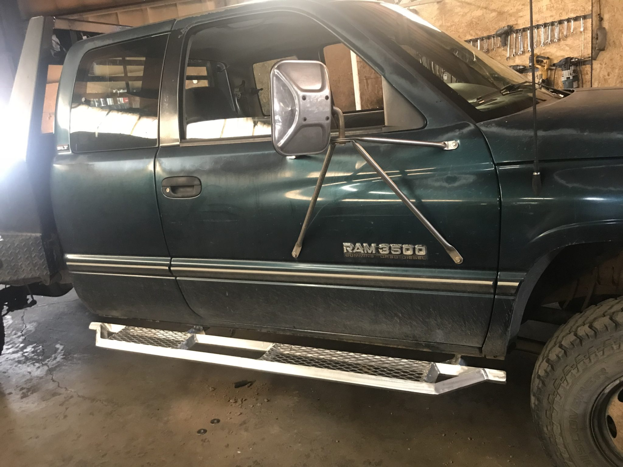 Ram3500 with aluminum running boards